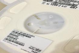YAGEO America RC1206FR-07113KL RC-L Series 1206 113 Kohm 1/% 0.25 W 100 ppm///°C Thick Film Chip Resistor 1000 Item s